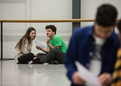 """Mit den """"opernSTART""""-Workshops lernen Schüler/innen des START-Projektes ein Opernhaus von innen kennen. © Silke Winkler"""