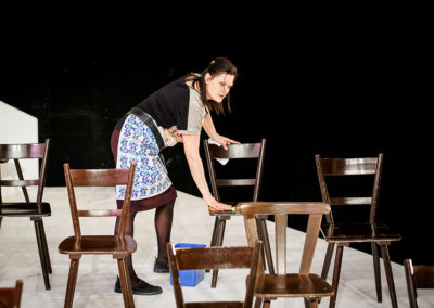 """""""Branka"""" von Angelika Klüssendorf handelt von einer Wirtin, die am Ende eines Arbeitstages ihr Leben Revue passieren lässt. © Felix Grünschloß/Schauspiel"""