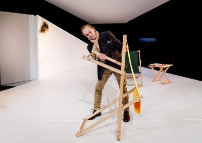 Die Regie für die drei Monodramen führte der Schauspiel-Intendant Anselm Weber. Der Videokünstler Philipp Bussmann setze die Monologe mit seinem Bühnenbild und Videoinstallationen in Szene. © Felix Grünschloß/Schauspiel