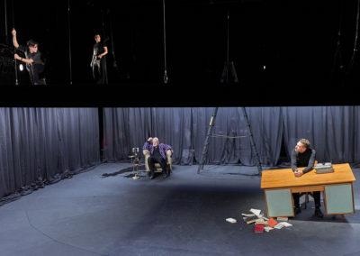 """Zum Abschluss der Spielzeit 2018/2019 führte das Berliner Ensemble """"Heiner 1-4"""" von Fritz Kater auf. V. l. n. r. Carina Zichner, Kathrin Wehlisch, Veit Schubert, Felix Rech © Matthias Horn"""