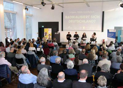 """""""Religion, Politik, Gesellschaft - radikalisiert sich Deutschland?"""" Dieser Frage ging das START-Gespräch am 7. Mai 2019 in der Evangelischen Akademie nach. © Evangelische Akademie Frankfurt"""