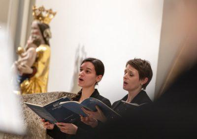 Interpretiert wurde die Kantate von Solistinnen und Solisten sowie der Gaechinger Cantorey. © Holger Schneider