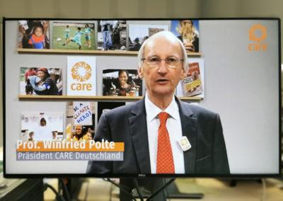 Herr Prof. Dr. Polte, Präsident CARE Deutschland, begrüßt zur KIWI-Preisverleihung. © Deutsche Bank Stiftung
